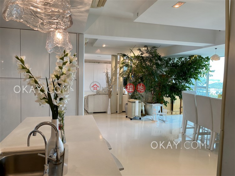Beautiful 4 bed on high floor with sea views & balcony   Rental   Discovery Bay, Phase 13 Chianti, The Lustre (Block 5) 愉景灣 13期 尚堤 翠蘆(5座) Rental Listings