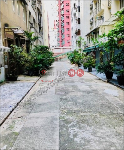 HK$ 25,000/ month, 13 Prince\'s Terrace, Central District, Apartment for Rent in Mid-Levels Central