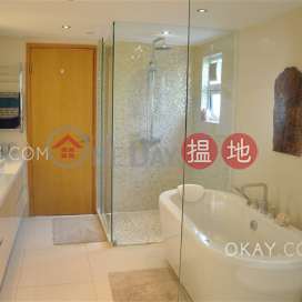 Rare house with balcony & parking | Rental|Siu Hang Hau Village House(Siu Hang Hau Village House)Rental Listings (OKAY-R383220)_0