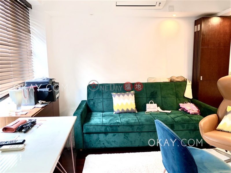 Lovely 1 bedroom on high floor with rooftop | For Sale 2-4 Mee Lun Street | Central District, Hong Kong, Sales HK$ 8.8M