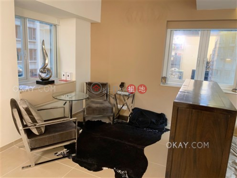 HK$ 28,000/ month Silvervale Mansion, Wan Chai District Intimate studio on high floor with rooftop | Rental