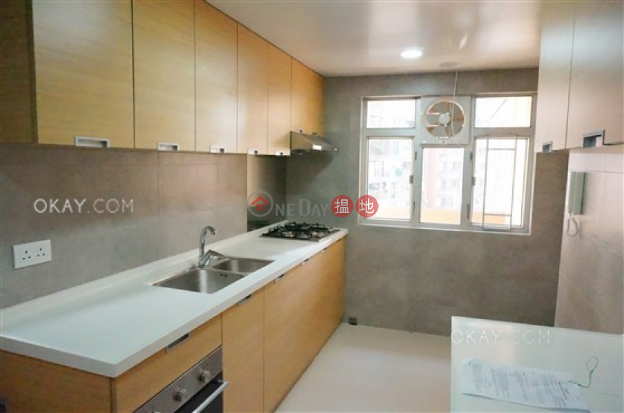 Exquisite 3 bedroom with balcony & parking | For Sale | Hilltop Mansion 峰景大廈 Sales Listings