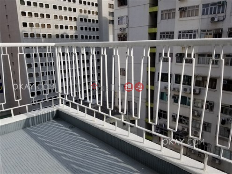 Stylish 2 bedroom on high floor with terrace & balcony | Rental | Great George Building 華登大廈 Rental Listings
