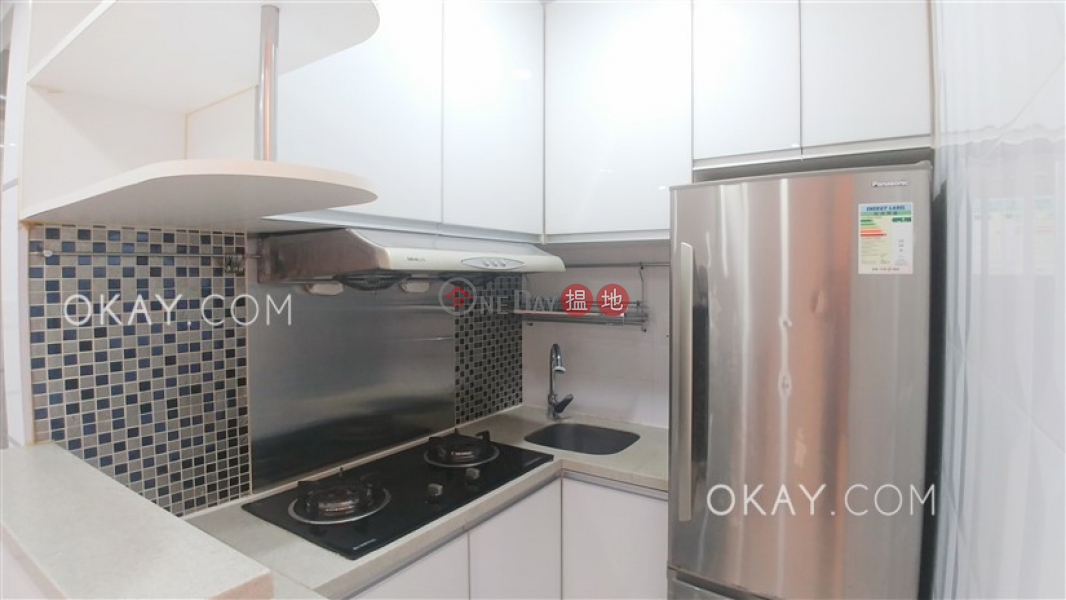 HK$ 25,000/ month, Pearl City Mansion, Wan Chai District Charming 2 bedroom with sea views | Rental