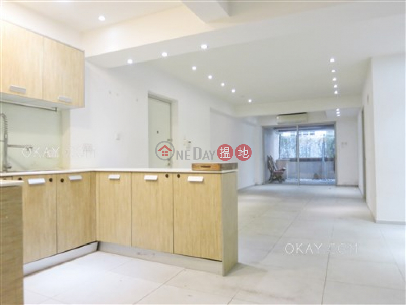 Charming 3 bedroom with terrace & balcony | For Sale | Vancouver Mansion 漢寧大廈 Sales Listings