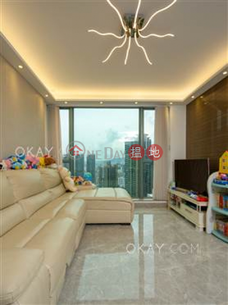 Property Search Hong Kong | OneDay | Residential Sales Listings | Exquisite 3 bed on high floor with rooftop & balcony | For Sale