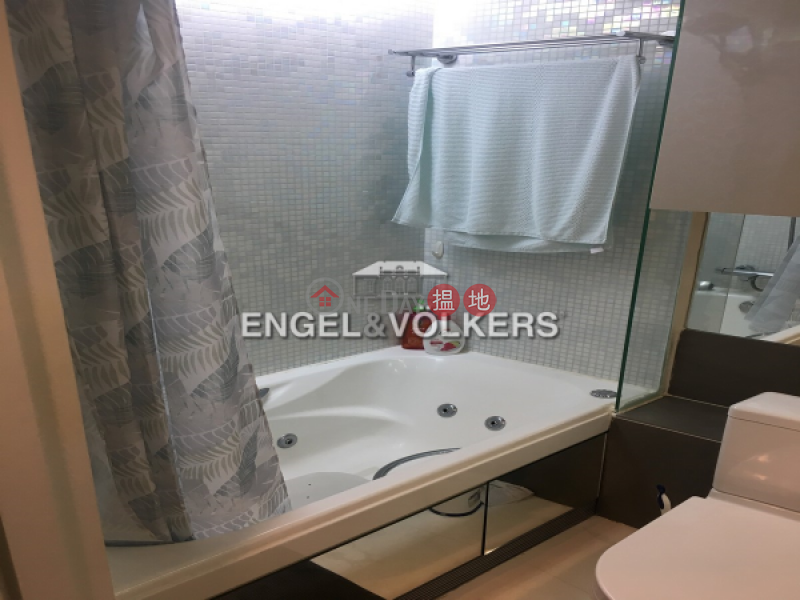 HK$ 32,500/ month Centrestage, Central District, 2 Bedroom Flat for Rent in Soho