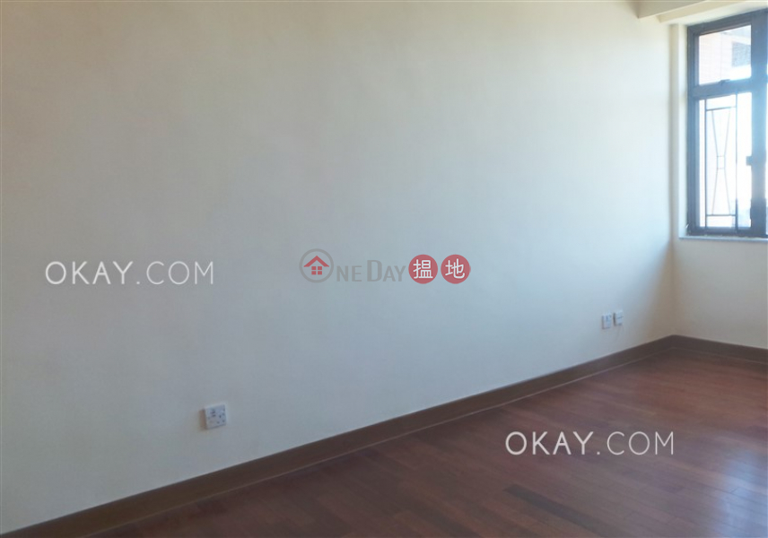 Gorgeous 3 bedroom with balcony & parking | Rental | Wylie Court 衛理苑 Rental Listings