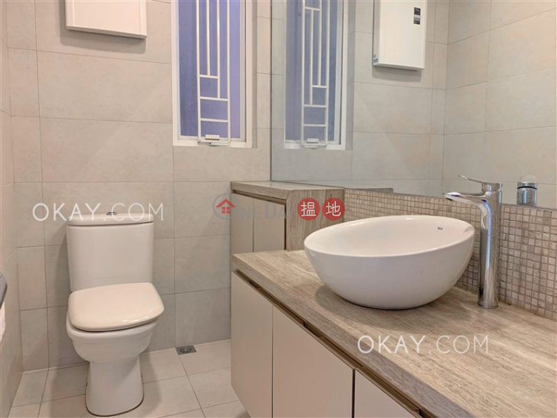 HK$ 28,000/ month Tai Hang Terrace, Wan Chai District | Cozy 2 bedroom with parking | Rental