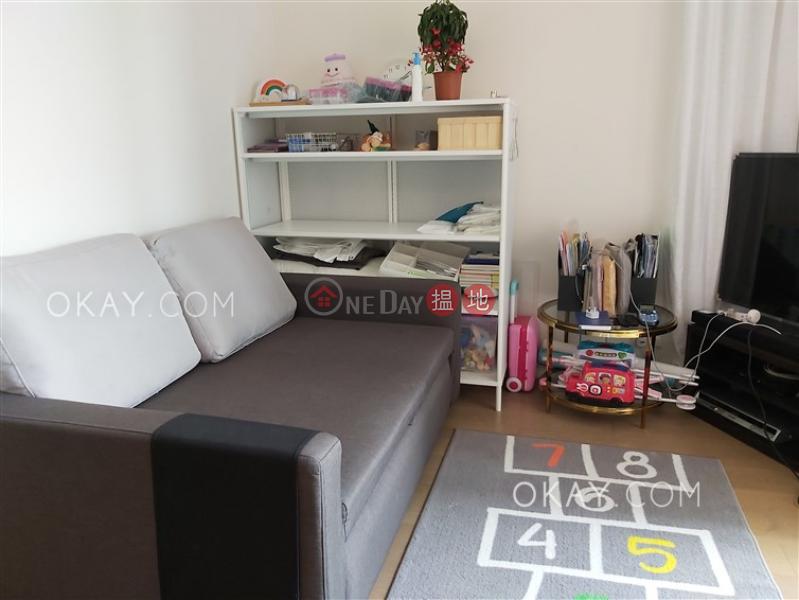 HK$ 34,000/ month, The Warren, Wan Chai District Elegant 2 bedroom with harbour views & balcony   Rental