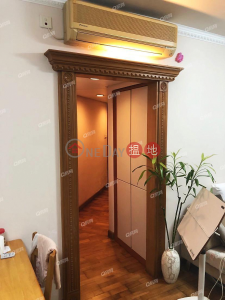 HK$ 1,200萬藍灣半島 3座-柴灣區東南海景三房套,市場罕有,實用靚則《藍灣半島 3座買賣盤》
