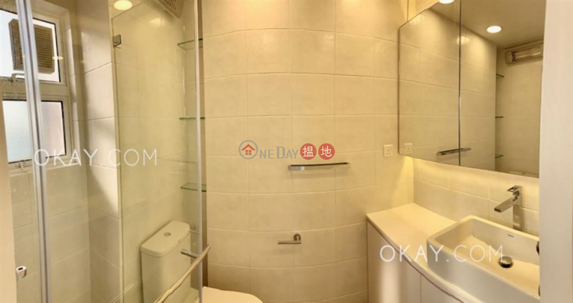 HK$ 120,000/ month, Pine Crest | Southern District, Efficient 4 bedroom with sea views & balcony | Rental