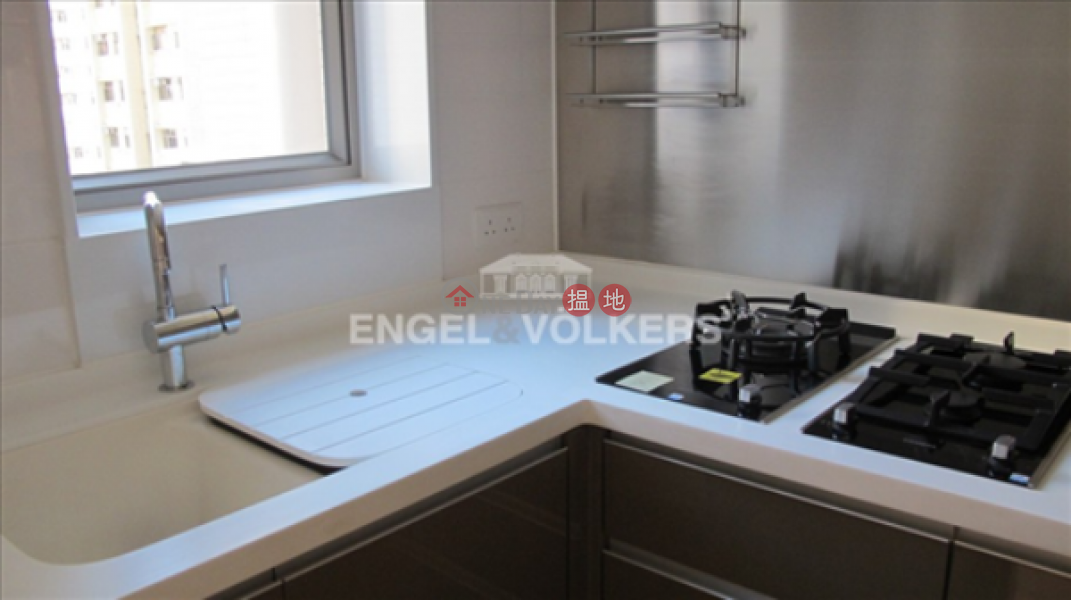 HK$ 32,000/ month, Island Crest Tower1, Western District | 2 Bedroom Flat for Rent in Sai Ying Pun