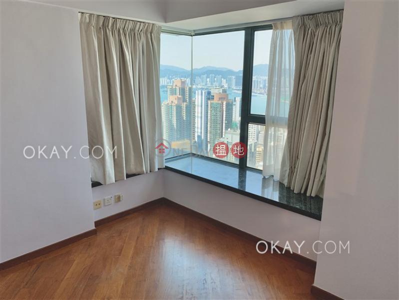 Charming 2 bedroom with harbour views & parking   Rental   80 Robinson Road 羅便臣道80號 Rental Listings