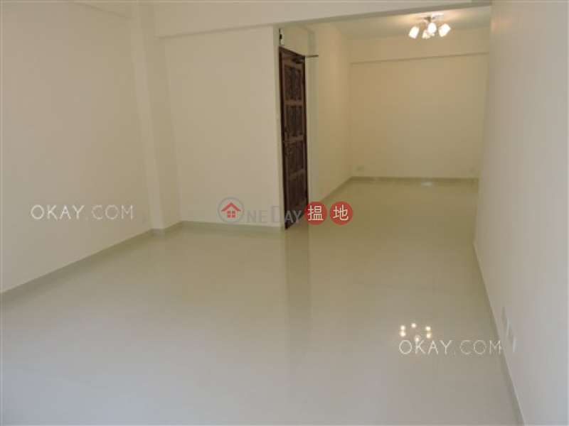 HK$ 45,000/ month, 89 Blue Pool Road | Wan Chai District | Nicely kept 3 bedroom with balcony & parking | Rental