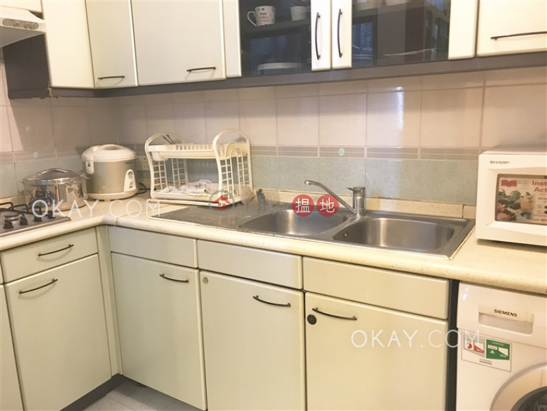 Charming 3 bedroom in Mid-levels West | Rental 2 Seymour Road | Western District | Hong Kong, Rental, HK$ 38,000/ month