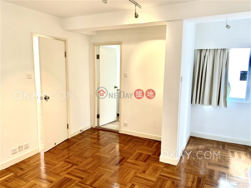 Lovely 2 bedroom in Mid-levels West   For Sale   Grand Court 格蘭閣 Sales Listings