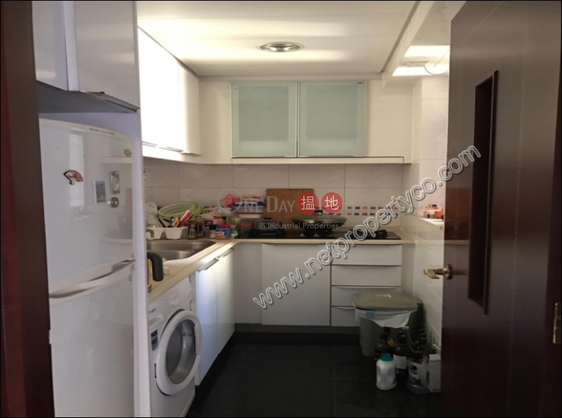 Great Place apartment just near the Sea with Balcony   The Merton 泓都 Rental Listings