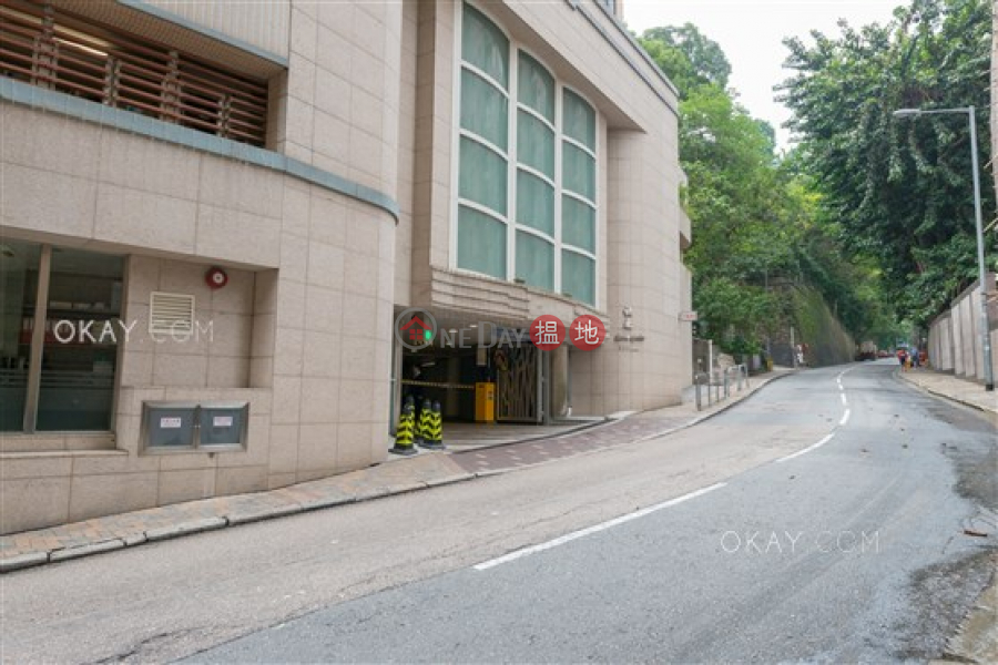 HK$ 54,000/ month, Scenic Garden   Western District, Gorgeous 3 bedroom with balcony & parking   Rental
