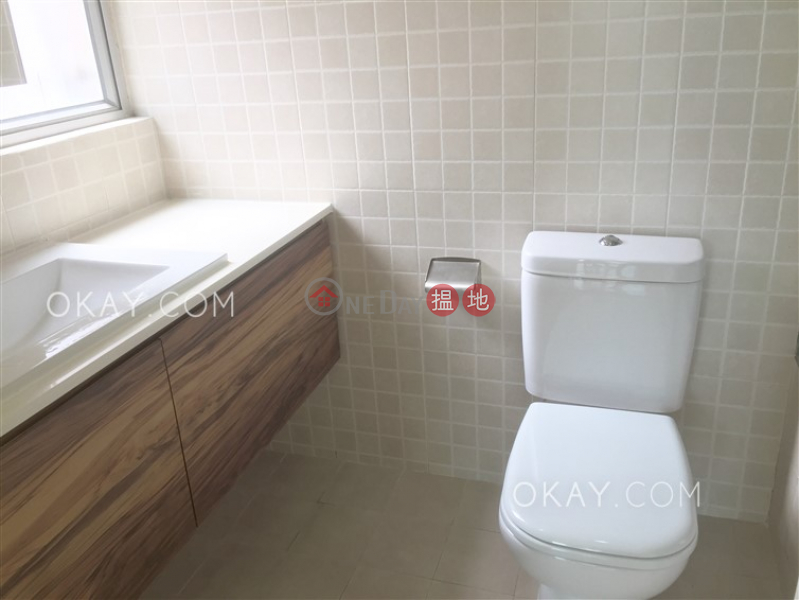HK$ 40,000/ month | Skyview Cliff, Western District | Lovely 3 bedroom in Mid-levels West | Rental