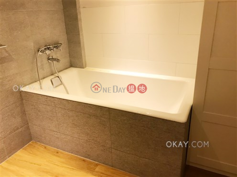 HK$ 20M Full View Court, Wan Chai District Unique 2 bedroom with parking | For Sale