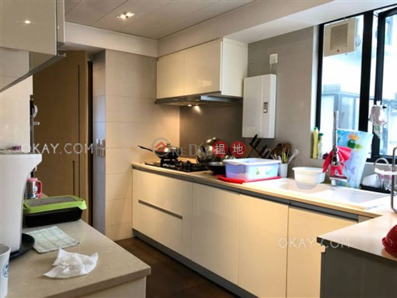 Luxurious 3 bedroom with harbour views & balcony | Rental | The Grand Panorama 嘉兆臺 Rental Listings