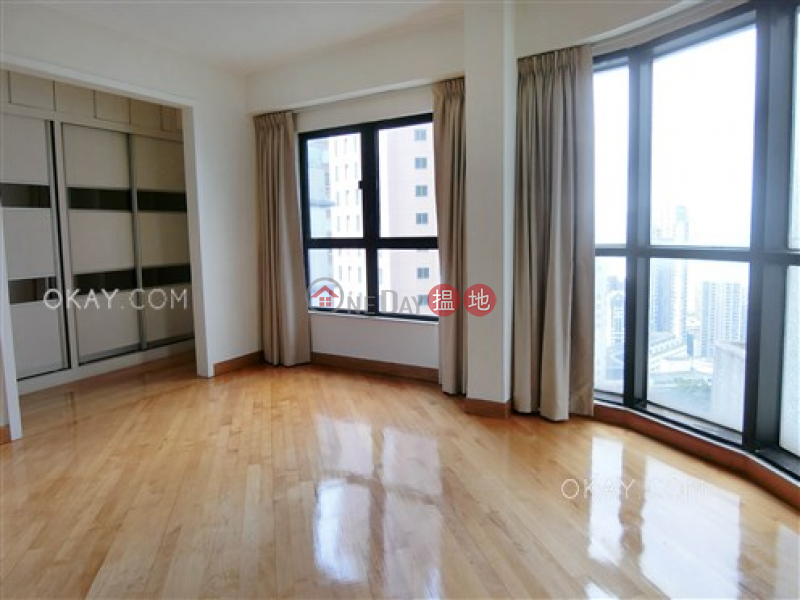 HK$ 3,600萬|蔚庭軒-西區2房3廁,極高層,連租約發售,露台《蔚庭軒出售單位》