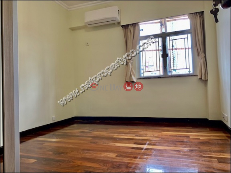 Spacious 3-bedroom unit for rent in Homantin | Harrison Court Phase 6 恆信園6期 Rental Listings
