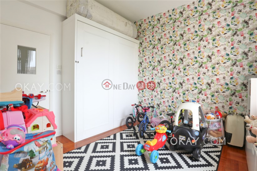 HK$ 91,000/ month, South Bay Villas Block A | Southern District | Efficient 4 bedroom with harbour views, balcony | Rental