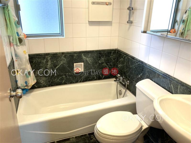 3房2廁,實用率高,星級會所《逸意居2座出租單位》18西灣臺 | 東區-香港出租|HK$ 36,000/ 月