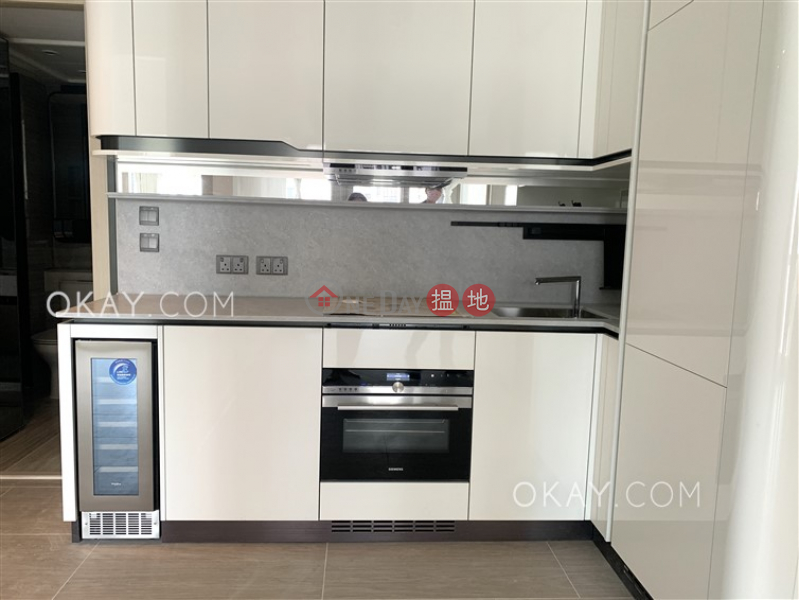 Luxurious 2 bedroom with balcony | Rental | On Fung Building 安峰大廈 Rental Listings