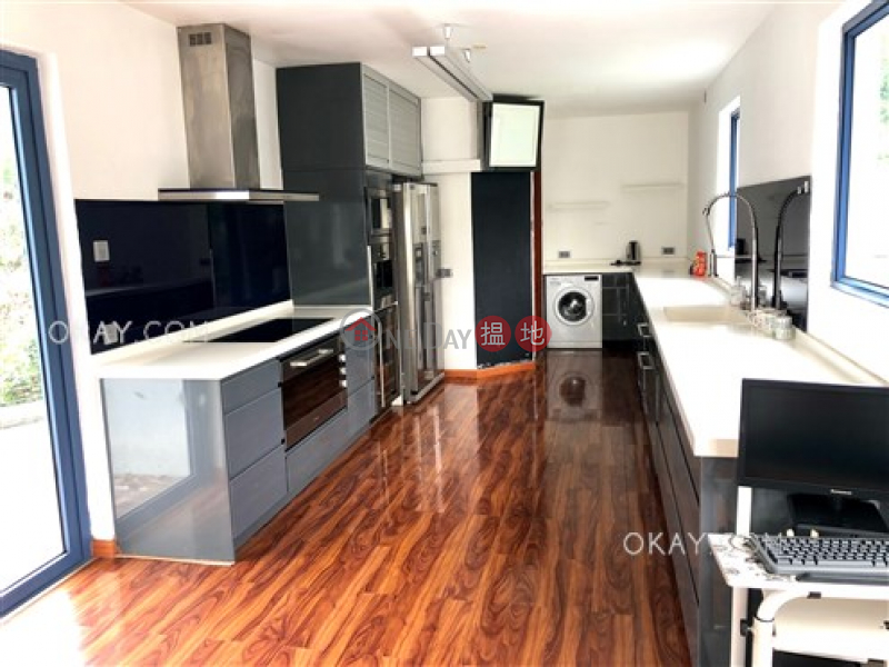 Gorgeous house with rooftop & parking | For Sale | Tai Hang Hau Village 大坑口村 Sales Listings