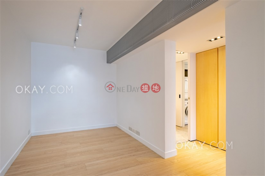 HK$ 15M   Hollywood Terrace   Central District Lovely 1 bedroom in Sheung Wan   For Sale