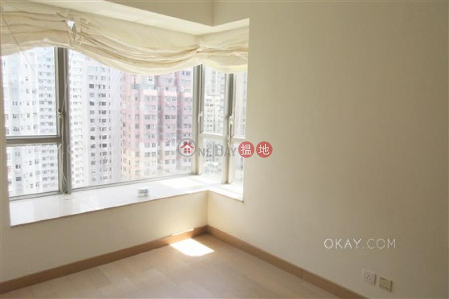 3房2廁,星級會所,連租約發售,露台縉城峰2座出租單位 8第一街   西區香港出租HK$ 46,000/ 月