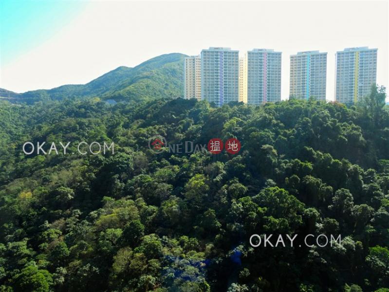 HK$ 32,000/ 月|龍華花園灣仔區|3房2廁,極高層,連車位龍華花園出租單位