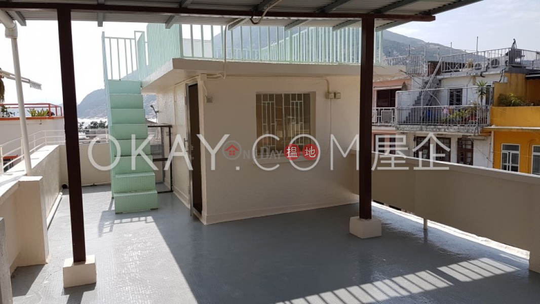 HK$ 18M, Shek O Village Southern District Luxurious house with rooftop & terrace   For Sale