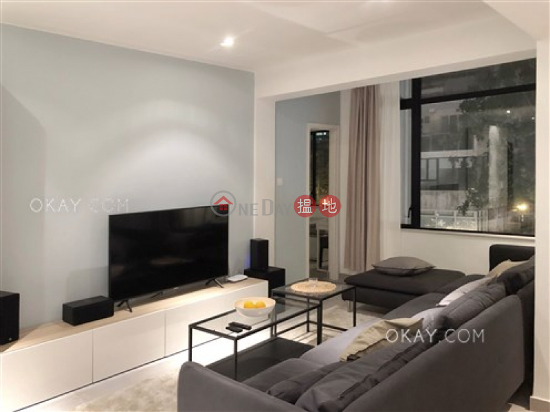 HK$ 18M, Chesterfield Mansion   Wan Chai District   Tasteful 2 bedroom with balcony   For Sale