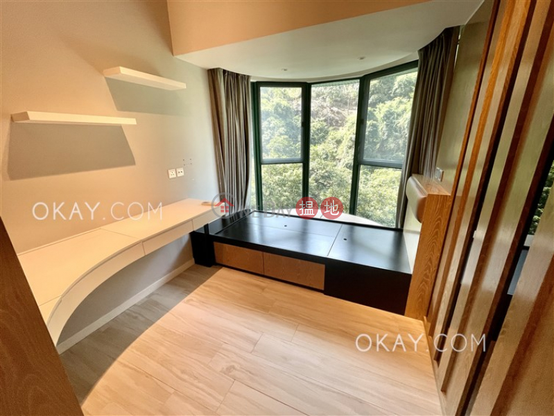 Unique 2 bedroom with parking | Rental, Hillsborough Court 曉峰閣 Rental Listings | Central District (OKAY-R21060)