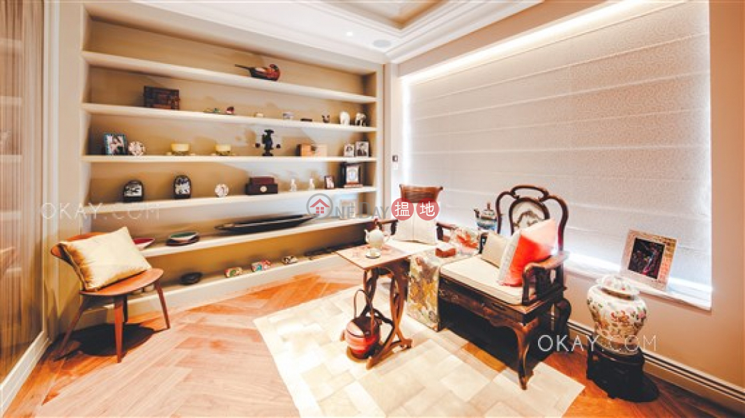 Exquisite house with rooftop, terrace & balcony | For Sale | No.28 Barker Road 白加道28號 Sales Listings