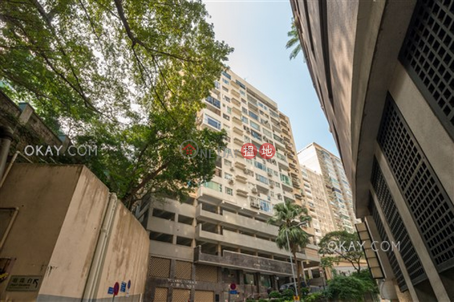 Efficient 4 bedroom on high floor with parking | For Sale | Botanic Terrace Block A 芝蘭台 A座 Sales Listings