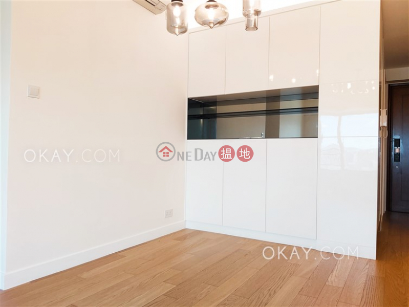 Stylish 3 bedroom in Kowloon Station | Rental | Sorrento Phase 1 Block 3 擎天半島1期3座 Rental Listings