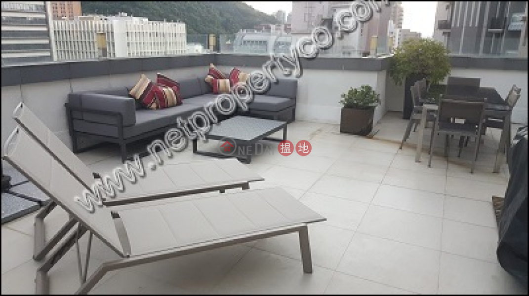 1-bedroom penthouse for rent in Mid-level West | Hing Hon Building 興漢大廈 Rental Listings