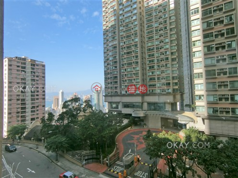 HK$ 53,000/ month, Robinson Mansion, Western District | Lovely 3 bedroom with parking | Rental