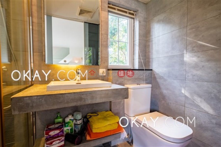 Cozy house with rooftop, terrace & balcony | For Sale | Chi Fai Path Village 志輝徑村 Sales Listings
