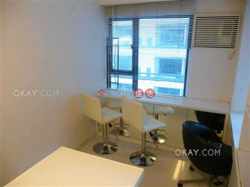 HK$ 25,000/ month, Dawning Height Central District | Tasteful 1 bedroom in Sheung Wan | Rental