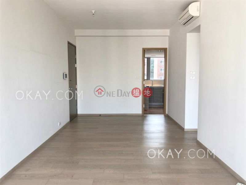 Popular 2 bedroom with balcony | For Sale | The Summa 高士台 Sales Listings