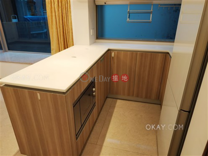 HK$ 25,500/ month | Diva Wan Chai District | Charming 2 bedroom with balcony | Rental