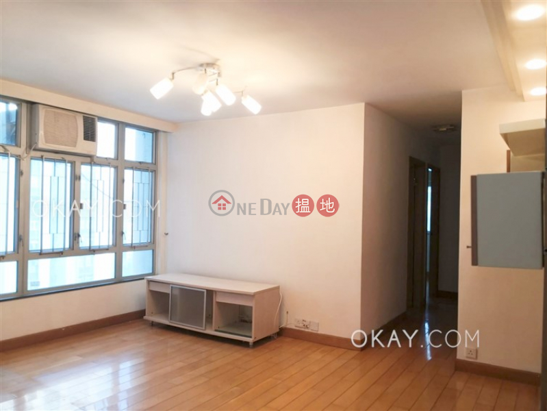 HK$ 27,500/ month (T-15) Foong Shan Mansion Kao Shan Terrace Taikoo Shing Eastern District | Unique 3 bedroom in Quarry Bay | Rental