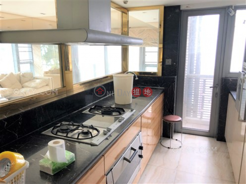 Unique 3 bedroom on high floor with balcony & parking | For Sale | Serenade 上林 Sales Listings