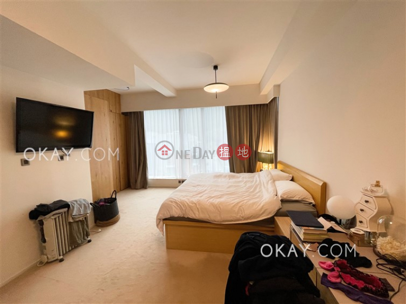 Nicely kept 2 bedroom on high floor with balcony   For Sale   Mount Pavilia Tower 9 傲瀧 9座 Sales Listings